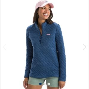 Vineyard Vines quilted blue half zip sz large